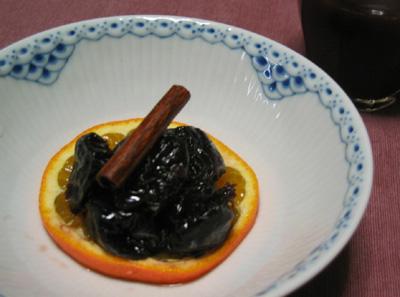 ドライプルーンの赤ワイン煮